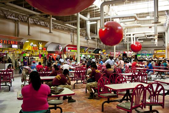 Zona de comida Plaza Nuevo Mexicali