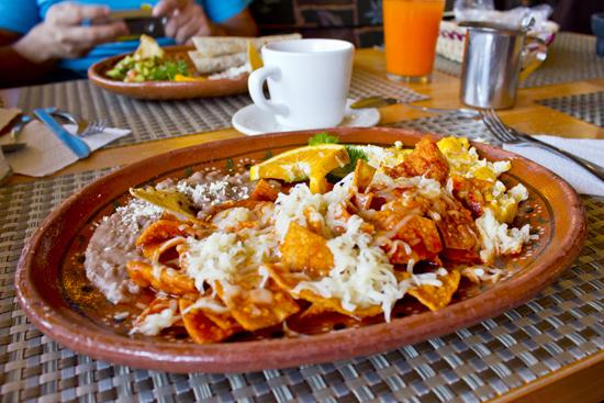 Chilaquiles en La Plazuela