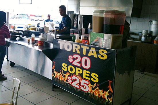 Variedad de platillos en Asadero El Torito
