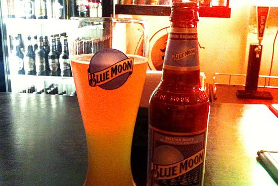 Blue Moon cerveza en El Sume