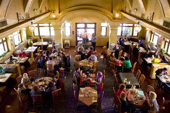 Dentro de Las Campanas Restaurant