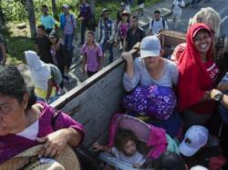 Caravana de migrantes llega a Mexicali conformada por unas 76 personas