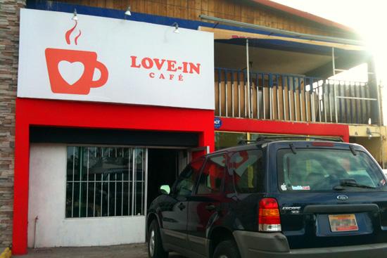love-in cafe